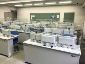 オーダーメイドアクリルパーテーション/駒沢女子大学・短期大学様